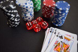 ร่วมเล่นเกมบาคาร่าออนไลน์ มีแนวทางล้นหลามเพื่อเอาชนะเกม คนจำนวนไม่น้อยสนุกสนานกับการเล่นบาคาร่าเพราะเหตุว่าไม่จำเป็นที่จะต้องใช้ความชำนาญมากเกินความจำเป็นชักชวนให้ผู้เล่นอีกทั้งมือใหม่แล้วก็ผู้ที่มีความชำนาญร่วมเกมหนึ่งหรือสองเกม เนื่องมาจากกลอุบายไม่ค่อยมีความเกี่ยวข้องกับเกมโดยเฉพาะในคาสิโนออนไลน์บางครั้งบางคราวบางทีอาจเกิดเรื่องยากที่จะอ้างถึงกลอุบายเพื่อประโยชน์ของผู้เล่น ถึงแม้ว่าบาคาร่าจะไม่จำเป็นต้องใช้แผนการเท่าไรนัก แต่ว่าผู้เล่นก็ยังสามารถเพิ่มจังหวะสำหรับเพื่อการชนะได้ในเวลาเดียวกันก็ลดขอบบ้านลง คนจำนวนไม่น้อยเล่นบาคาร่าเพื่อการได้เปรียบในบ้านที่ต่ำลวงล่อผู้เล่นอย่างใหญ่โตเนื่องมาจากจังหวะสำหรับเพื่อการชนะสูงยิ่งกว่า ขอบบ้านชอบเหลือเพียงแค่ 1% กล่าวคือเป็นผู้เล่นได้โอกาสที่ดีมากกว่าสำหรับเพื่อการชนะและก็ได้โอกาสน้อยที่จะให้เกมไปด้านใต้ บาคาร่าล่อใจผู้เล่นคาสิโนคนใหม่ในหัวข้อนี้เพราะเหตุว่าเป็นการยากที่จะทำผิดพลาดซึ่งทำให้ช่องทางสำหรับในการชนะลดน้อยลง บาคาร่าเล่นกล้วยๆผู้เล่นสามารถพนันกับเจ้ามือหรือผู้เล่นได้โดยได้โอกาสสูงสำหรับในการชนะแจ็คพอต เหมือนกันกับในเกมรูเล็ตเกมนี้ก็ราวการพนันสีดำหรือสีแดง ประเด็นที่ดีสำหรับบาคาร่าเป็นการพนันโดยธรรมดาไม่เป็นอันตรายด้วยเหตุดังกล่าวผู้เล่นก็เลยไม่ต้องวิตกกังวลว่าจะแพ้ทั้งหมดทั้งปวง เกมส่วนมากบางทีอาจไม่มีการชำระเงินรางวัลใหญ่ แต่ว่าผู้จ่ายได้โอกาสสูงขึ้นมากยิ่งกว่าที่กำลังจะได้รับการชำระเงินกลับไปอยู่ที่บ้านโดยไม่คิดถึง ตามที่ผู้เล่นบาคาร่าบางทีอาจรู้อยู่แล้วอุบายส่วนมากบอกให้ผู้เล่นฝึกหัดการพนันของผู้เล่นแล้วก็เจ้ามือพวกนั้น เนื่องจากว่ามีความน่าจะเป็นไปได้สูงที่พวกเขาให้ยืมผู้เล่น อุบายที่มีคุณประโยชน์แล้วก็มีคุณภาพสูงที่สุดเกิดขึ้นเมื่อผู้เล่นพนันกับเจ้ามือตามผู้ชำนาญจำนวนมากที่รู้จักเกมนี้อย่างดีเยี่ยม ผู้ชำนาญพวกนั้นรับรองว่าการพนันกับเจ้ามือมีเปอร์เซ็นต์การชำระเงินที่สูงกว่า เหมือนกันกับเกมคาสิโนออนไลน์จำนวนมากบาคาร่าสามารถเล่นกับวิธีการอื่นๆได้อีกเยอะมาก แต่ผู้เล่นควรจะจดจำไว้ว่ากลเม็ดหรือกลอุบายพวกนี้จะค้ำประกันว่าจะชนะทุกคราว แนวทางที่ผู้เล่นสามารถเพิ่มช่องทางสำหรับในการชนะได้ ตั้งแต่นี้ต่อไปเป็นแผนการยอดฮิตที่จะประยุกต์ใช้กับเกมบาคาร่าครั้งถัดไป 1. พากเพียรหาเกมที่มีชั้นน้อย - คาสิโนออนไลน์หลายที่เล่นได้หลา